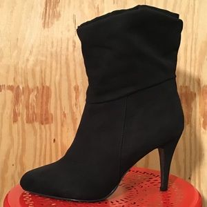 Candie's Foldover Black Heeled Ankle Bootie 9.5